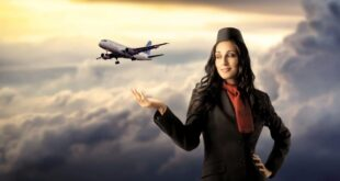 صورة مضيفة طيران داخل طائرة تثير ضجة كبيرة.. شاهدوا ماذا فعلت