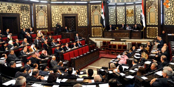 نواب في مجلس الشعب يشنون هجوماً على بيان الحكومة
