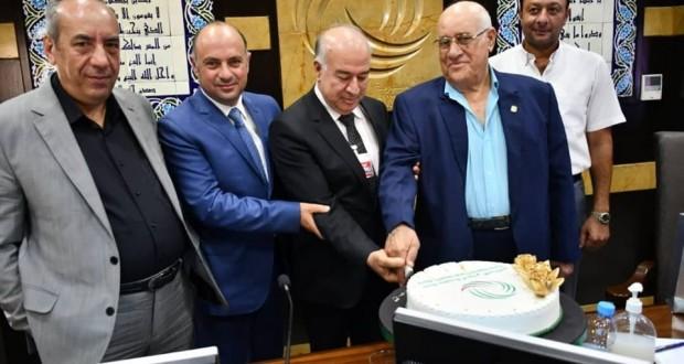 بنك سورية الدولي الإسلامي يكرم رئيس مجلس إدارته السابق