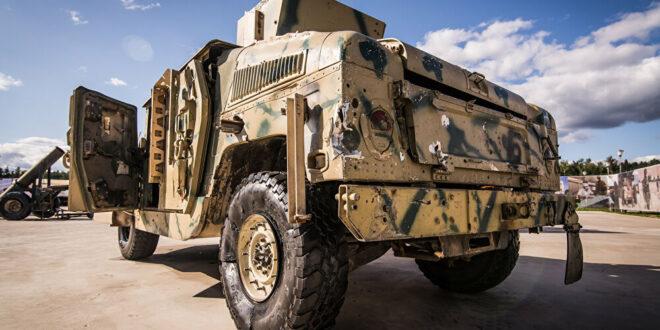 """""""هامر"""" أمريكية تصدم سيارة شرق سوريا في ثاني حادث خلال شهرين"""