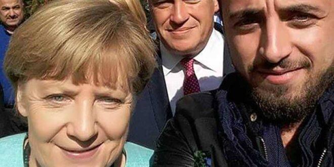 """""""سيلفي"""" لشاب سوري مع ميركل غير حياته وألمانيا"""