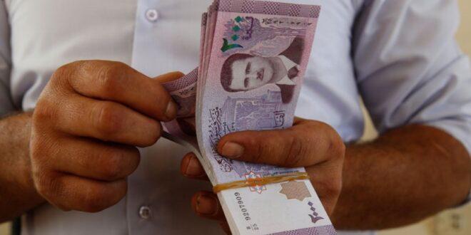 رفع الرواتب.. أول وعود الحكومة السورية الجديدة