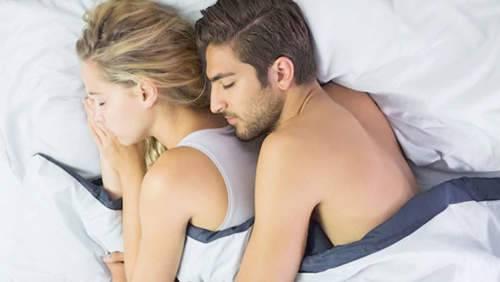 لماذا عليكم عدم النوم بالملابس الداخلية ؟