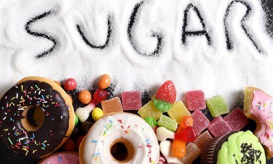 كيف يمكن مواجهة إدمان السكر لما له من مخاطر كثيرة؟