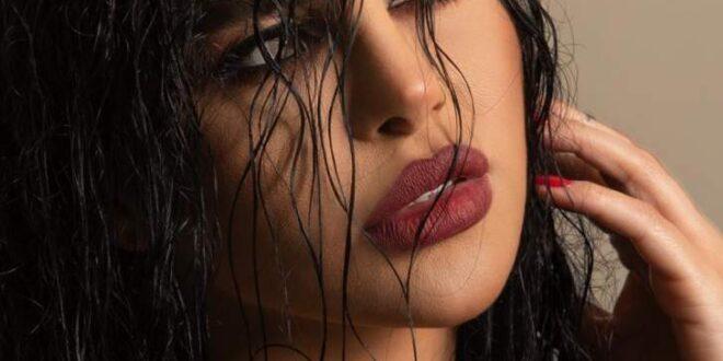 ليال عبود تطلّ على الجمهور بفيديو عفوي