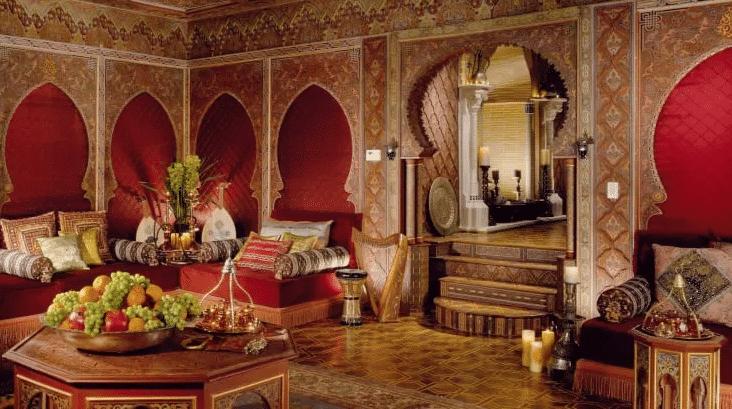 قصور من ذهب.. صور من داخل إمبراطورية عائلة جيجي حديد ذات الحياة الباذخة