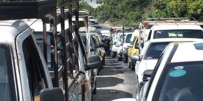 تخفيض مخصصات البنزين الشهرية للسيارات الحكومية في سوريا لشهر إيلول