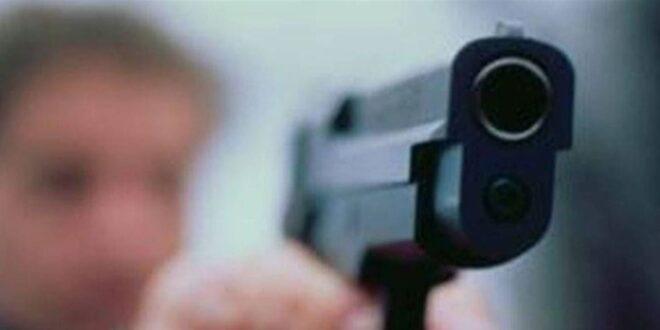 أب يطلق النار على ابنه في السويداء