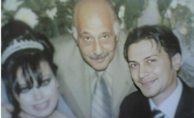 وائل شرف بصورة نادرة من زفافه مع والده النجم الراحل