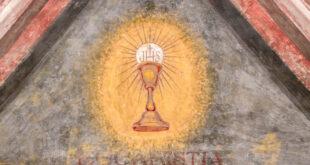 """الكأس المقدّسة التي استخدمها المسيح وأخفاها """"فرسان الهيكل"""