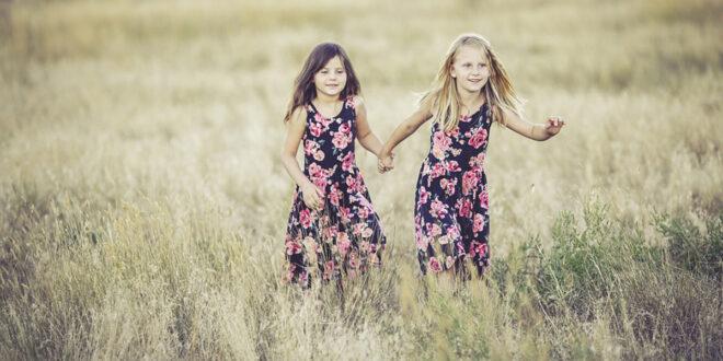 لماذا أسعد العائلات هي التي يكون فيها فتاتين؟