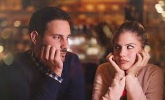 رجل يبتكر طريقة فريدة ليتصالح مع زوجته.. شاهد الفيديو!