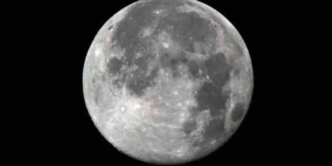 ناسا تعلن عن اكتشاف عظيم على سطح القمر.. شاهد!