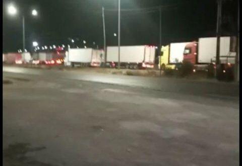 عبور ما يقارب ٧٥ شاحنة وبراد محملة بالمنتجات السورية عبر منفذ جابر يومياً