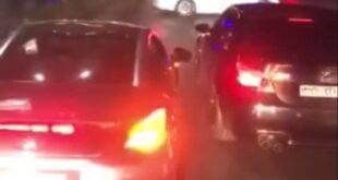 أولاد رجال أعمال يقطعون طريق المعرض وسط دمشق للتشفيط بساراتهم.. شاهد!