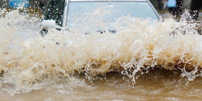 العاصفة آليكس تضرب فرنسا..80 ألف شخص بلا كهرباء
