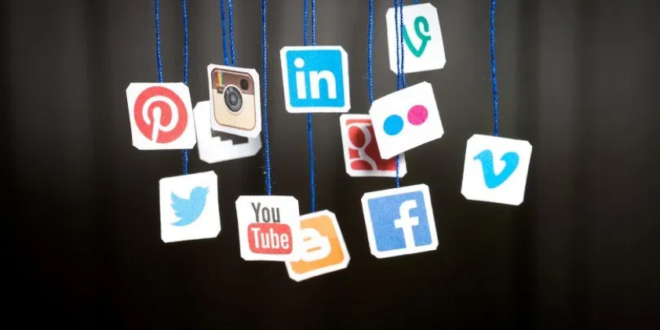 Screenshot 2020 10 23 رئيس غوغل السابق الشبكات الاجتماعية مكبرات صوت للحمقى تلفزيون الخبر اخبار سوريا