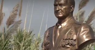قاعدة حميميم تدشن نصباً تذكارياً لضابط روسي قُتل في سورية