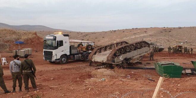انقلاب دبابة إسرائيلية في منطقة الأغوار الشمالية.. شاهد!