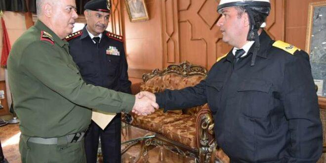 شرطي مرور يلقي القبض على سارق بالجرم المشهود في حمص