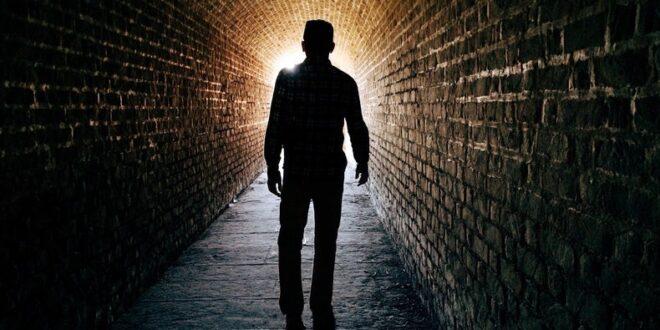 تجربة الاقتراب من الموت... قصة عائد من العالم الآخر