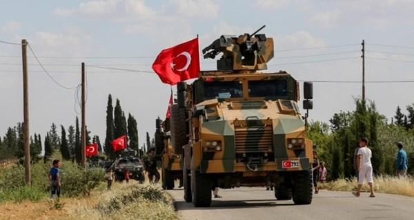 الجيش التركي يخلي نقطة مراقبة يحاصرها الجيش السوري شرق إدلب