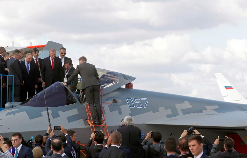 المقاتلة سو-27 الروسية.. لماذا لا يزال الناتو يخشاها رغم أنها عتيقة؟