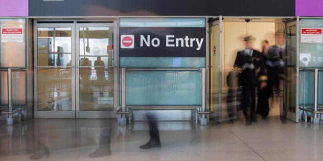 من بينهم سوريا.. أمريكا تلزم المسافرين من 20 دولة بشراء سندات بـ15 ألف دولار لمنحهم التأشيرة