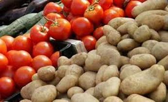 البندورة و البطاطا ترتفع إلى ألف ليرة للكيلو