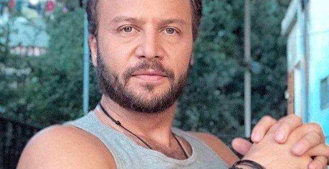 مكسيم خليل يحتفل بعيد ميلاده عاري الصدر ويكشف عمره الحقيقي