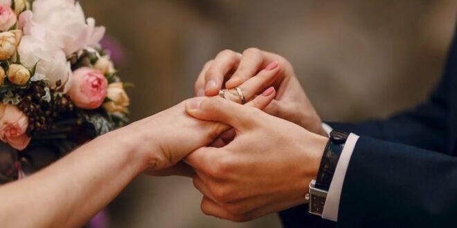 لماذا يوضع خاتم الزواج في اليد اليسرى وإصبع البنصر ؟