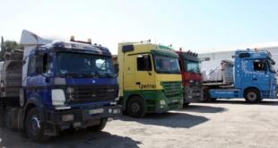 الأردن يفرض 2000 دولار على عبور كل شاحنة سورية إلى الخليج.. ومعبر جديد هو الحل