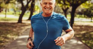 متى يشعر الإنسان بكبر السن؟ العلماء: تظهر آثار الشيخوخة بهذا السن