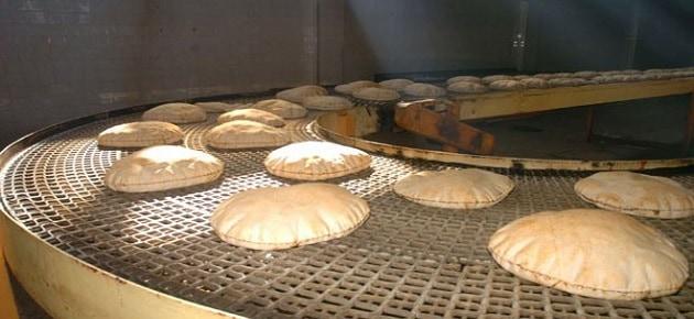 وزير الزراعة ينفي دعوته المواطنين لصناعة الخبز في منازلهم