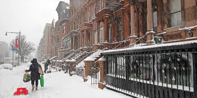 أكبر تساقط ثلوج في مدينة نيويورك منذ 2009... فيديو وصور