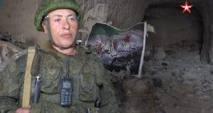 """تفجير مركز قيادة فصيل """"جيش العزة"""" في ريف إدلب.. شاهد!"""