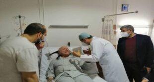 وزير الصحة السوري يزور الأب زحلاوي في المشفى بعد ما تم تداوله حول صحته