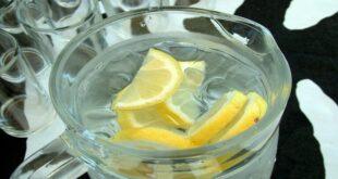 من يفيده شرب الماء مع الليمون؟