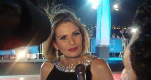 الفنانة المصرية يسرا تصاب بفيروس كورونا