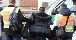 """المانيا تبحث مقترحا بديلا عن ترحيل """"اللاجئين الخطرين"""" إلى سوريا"""