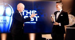 """ليفاندوفسكي يهزم ميسي ورونالدو ويتوَّج بجائزة """"فيفا"""" لأفضل لاعب في العالم"""