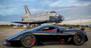 سيارة خارقة تحقق سرعة جنونية.. لتصبح الأسرع في العالم