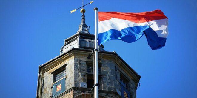 سياسي هولندي يعد بإلغاء إقامة السوريين