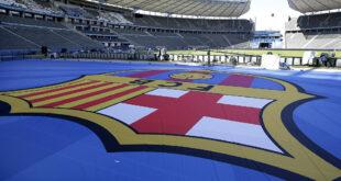 برشلونة يطلب من البنوك تأجيل الديون لتجنب إفلاسه