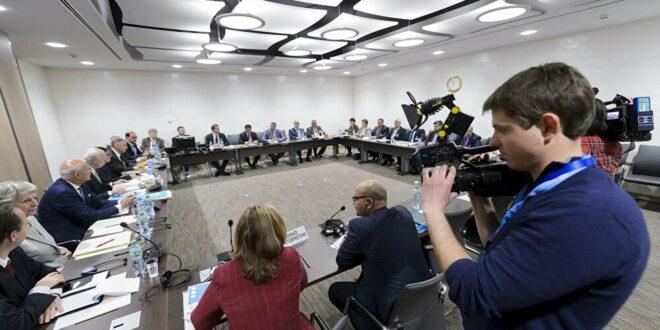الناطق الرسمي باسم هيئة التفاوض السورية يرجح تعليق جلسات اللجنة الدستورية بجنيف