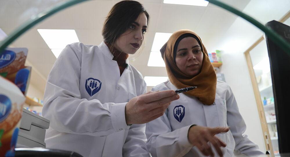 النساء يطردن الذكور من قطاع الصيدلة السوري