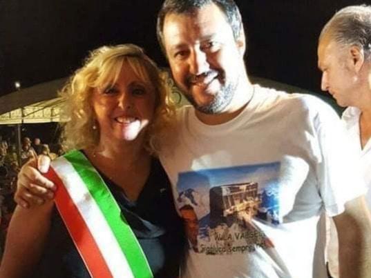 مهاجرة مغربية تتسبب في اعتقال عمدة بلدية إيطالية