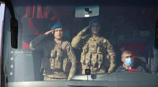 """تركيا ترسل قوات """"كوماندوس"""" إلى رأس العين بالحسكة"""