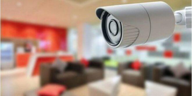 أمريكي يضع كاميرا مراقبة في مطبخ منزله.. ويكتشف ماذا كانت تفعل زوجته سرا