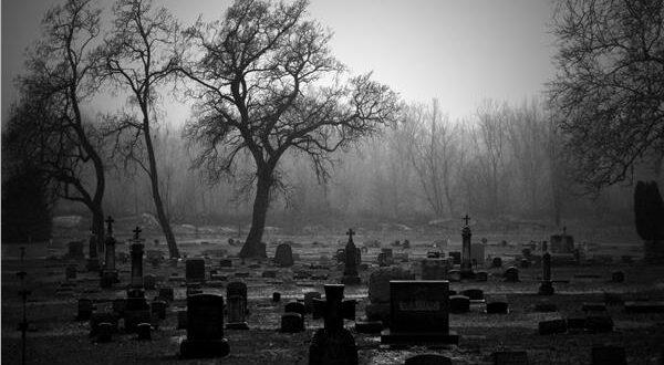 """لماذا يمكن لبعض الناس """"سماع"""" أصوات الموتى... دراسة علمية تجيب"""